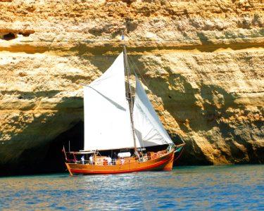 Passeio em Embarcação Pirata! Ideal para Famílias   Albufeira