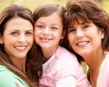Sessão Fotográfica Avó, Mãe & Filhos | Celebre a Maternidade!