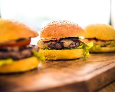 Hambúrgueres em Esplanada c/ Vista Lago a Dois | Quinta da Beloura