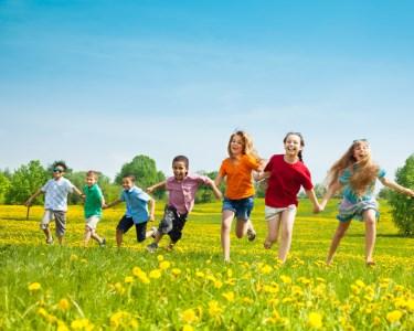 Verão em GRANDE c/ Caderno Mágico! Campo de Férias dos 3 aos 17 Anos