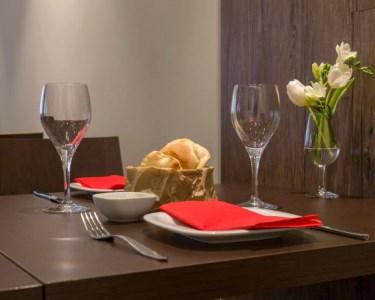 Buon Appetito! Jantar c/ Garrafa de Vinho a 2 | Av. da Liberdade