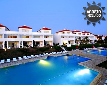Férias em Família no Algarve! 7 Noites em T1 até 4 Pessoas no Pateo Village