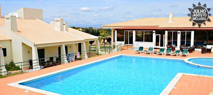 Férias no Algarve em T2 até 6 Pessoas | 2, 3, 5 ou 7 Nts no Resort Glenridge Junto à Praia dos Salgados