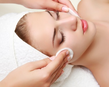 Spa Facial Anti-Idade | Adeus Rugas e Flacidez! BodyCare Clinic