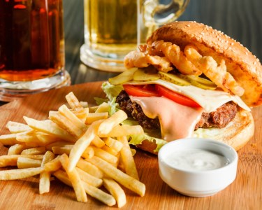 Burguer High! Hambúrgueres + Bebidas a 2! Sem Reserva, É Só Saborear!