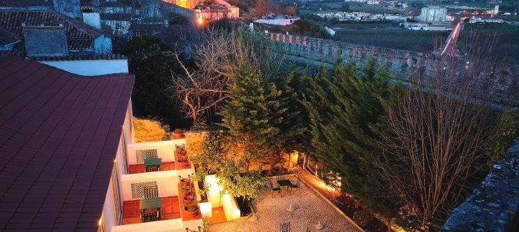 Óbidos Vila Natal (2 entradas) + Estadia em boutique hotel 4* + Pequeno-almoço