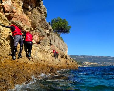Já Fez Coasteering na Serra da Arrábida? 1 ou 2 Pessoas | Wind