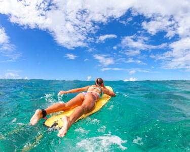 Surf & Sushi! Aula de Surf + 24 Peças de Sushi & Bebida | Carcavelos