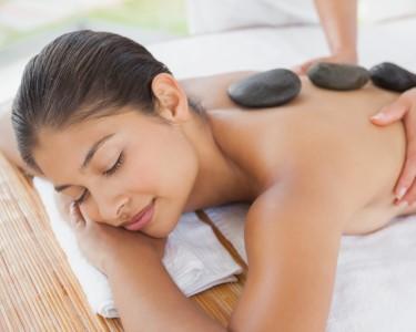 2 Massagens Pedras Quentes + 3 Massagens Relaxamento | Plenitude Total