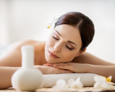Beleza & Reafirmação | 2 Massagens c/ Bambú + 3 Massagens Drenantes