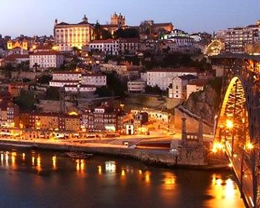 Belver Beta Porto Hotel 4* | 2 e 3 Nts no Porto c/ Cruzeiro das 6 Pontes & Visita às Caves