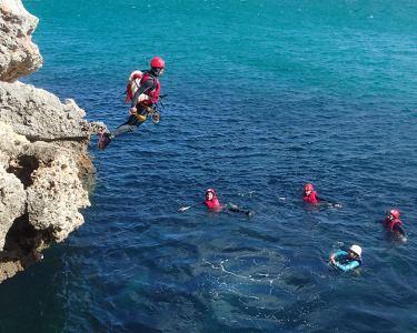 Adrenalina a 2 - Coasteering no Portinho da Arrábida | Aventurem-se!
