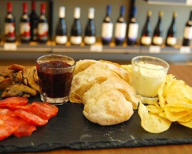 Deliciosos Montaditos & Garrafa Vinho a Dois | Melt - Saldanha