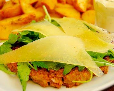 Melt Saldanha   Jantar de Hambúrgueres para Dois   Delicious Food!