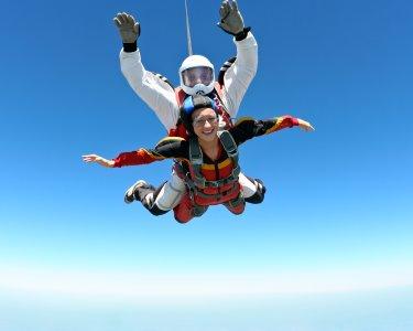 A Aventura de uma Vida! Salto Tandem em Évora a 3000m | 1 ou 2 Pessoas