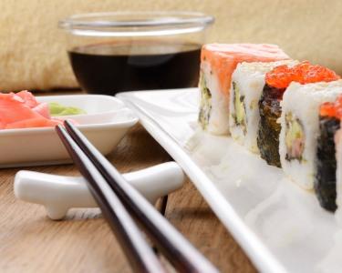 Sushi Extravaganza! Degustação de 50 Peças a Dois | Kaikou Sushi Bar