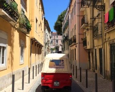 Maravilhe-se com Lisboa! Passeio de TukTuk - Até 6 Pessoas