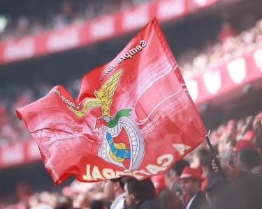 Benfica vs U. Madeira | Bilhete + Cachecol + Refeição na FanZone