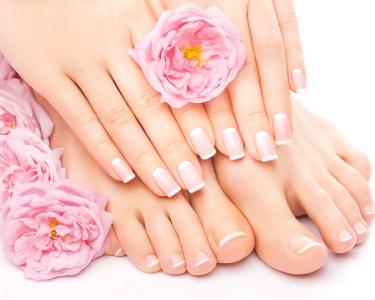Beleza para Mãos! 3 Sessões de Manicure ou Pedicure c/ Verniz Gel | Gaia