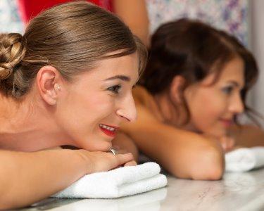Especial Dia da Mulher! Massagem c/ Ritual de Chá ou Champanhe a Dois