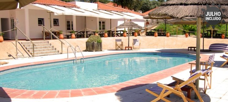 Refúgio Apaixonante no Alentejo - 2 Noites para 2 na Herdade Hotel da Ameira por apenas 65€
