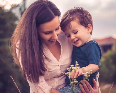 Especial Dia da Mãe! Sessão Fotográfica Profissional até 4 Pessoas