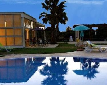 2 a 7 Noites em T1 em Alvor até 4 Pessoas | Apartamentos Sta. Teresinha - Algarve