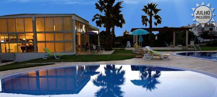 Algarve - Apartamentos Sta. Teresinha | 2, 3, 5 ou 7 Noites em T1 em Alvor até 4 Pessoas