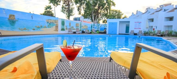 Algarve | 2 a 7 Noites c/ Opção Massagem e Meia-Pensão no Lagoa Hotel Apartamentos
