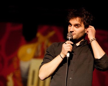 «Pensamentos, Palavras, Actos e Omissões» - Bilhete Duplo | 18 Junho | Stand-Up Comedy na Comuna
