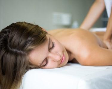 Massagem Relax + Spa Mãos e Pés ou Mini-Facial | 1h30 | Laranjeiras