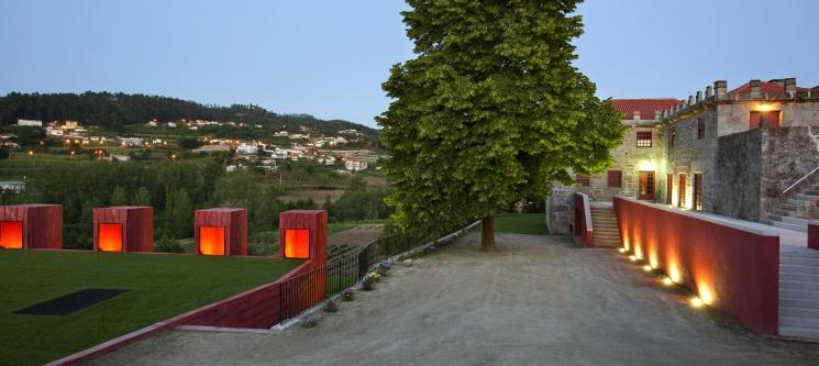 Romance entre Vinhas e a Tradição! 1 ou 2 Noites em Paço de Pombeiro | Guimarães