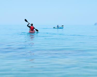 Passeio de Kayak no Rio Tejo: 2 Horas pela Rota dos Fortes   1 ou 2 Pessoas