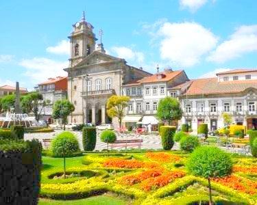 Comfort Inn Fafe-Guimarães | Noite a Dois + Almoço ou Jantar + Vinho da Região