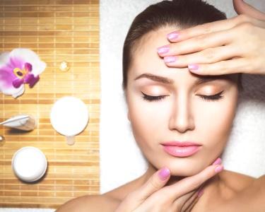 Rosto Revitalizado c/ Esfoliação + Ampola + Máscara + Massagem | Gena Day Spa - Sesimbra