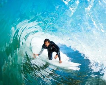 2h30 de Surf em Supertubos | Aula Individual c/ Monitor e Equipamento