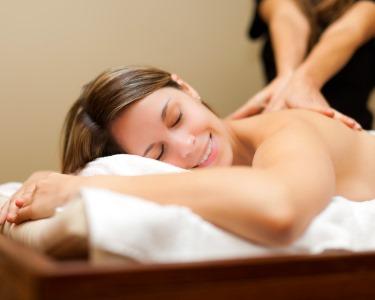 1 ou 2 Massagens Relax ou Terapêuticas | Instituto AC Estética - Areeiro