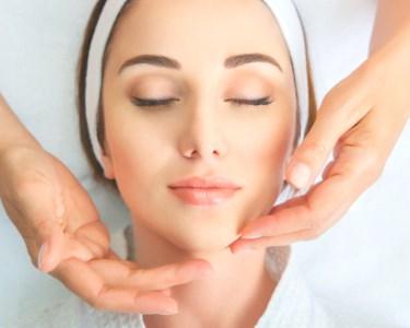 Anti-Envelhecimento de Rosto + Esfoliação + Massagem no QB Cabeleireiros | Carcavelos