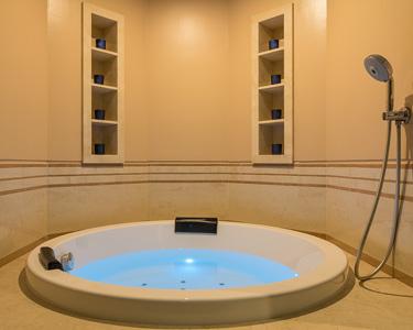 Hidroterapia + Massagem Corporal + Tratamento de Rosto | 2 Satsanga Spa