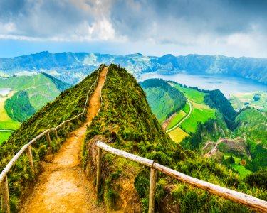Circuito Pelas Ilhas Encantadas | Açores | Voos + 7 Noites em TI