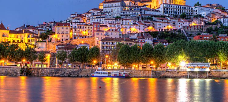 Romance na Cidade das Serenatas! Noite no Tivoli Coimbra 4*