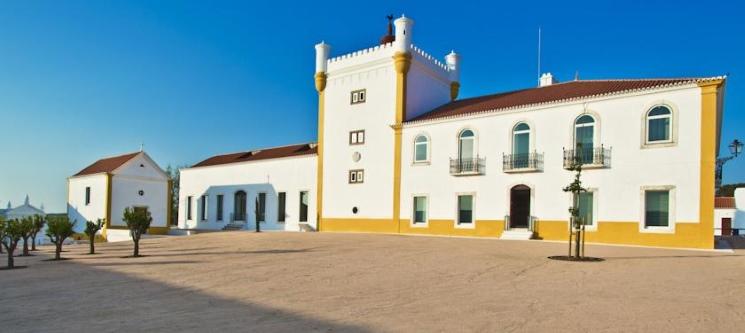 Torre de Palma Wine Hotel 5*   Noite Romântica e Spa no Alentejo
