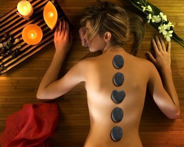 Massagem Toque das Pedras Quentes 40 Min | Setúbal
