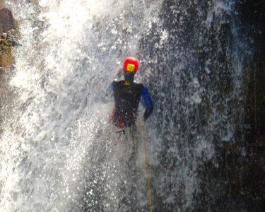 Já se Aventurou no Canyoning? Adrenalina na Lousã ou em Mortágua   4h