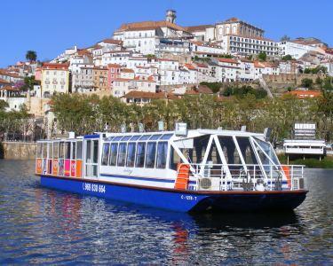 À Descoberta de Coimbra! Passeio de Barco no Rio Mondego a Dois - 50 Min.