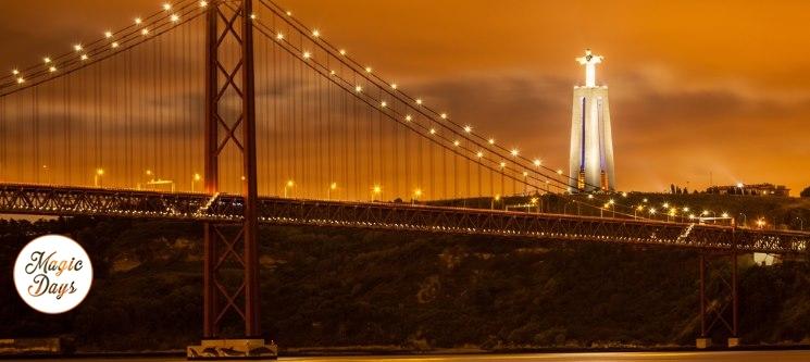 Passeio de Veleiro no Tejo c/ Espumante - 2h | Até 4 Pessoas | Lisbon By Night!