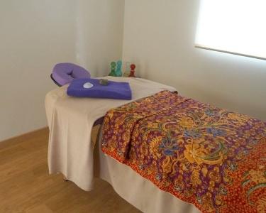 Massagem, Mini Facial, Sumo e Taça de Frutas | 1 Pessoa | 1h30 | Pinhal Novo