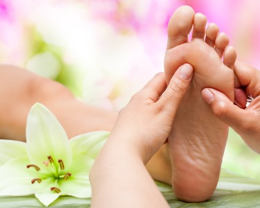 Hidrolinfa Detox + Massagem nos Pés | 45 Min. | 2 Locais - Bem-Estar Absoluto!