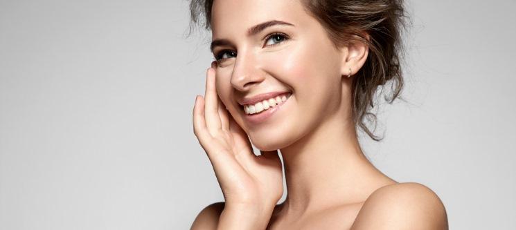 Spa Beleza Facial c/ Peeling Ultra-Sónico ou Microdermoabrasão | 45 Min. | 2 Locais