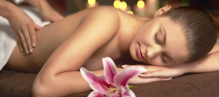Massagem Relax com Aromatherapy by Holmes Place Spa! 45 Minutos | 13 Locais